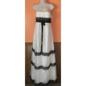 Lace Maxi Formal Gown
